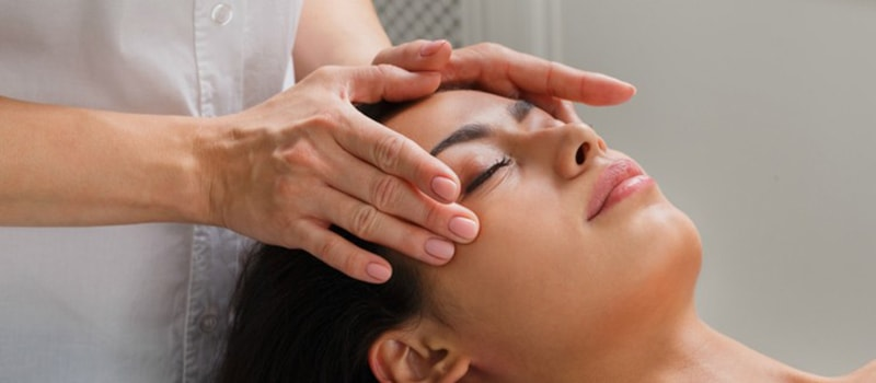 Head Massage in Gurgaon, Delhi, Jaipur | Relax Massage Therapy